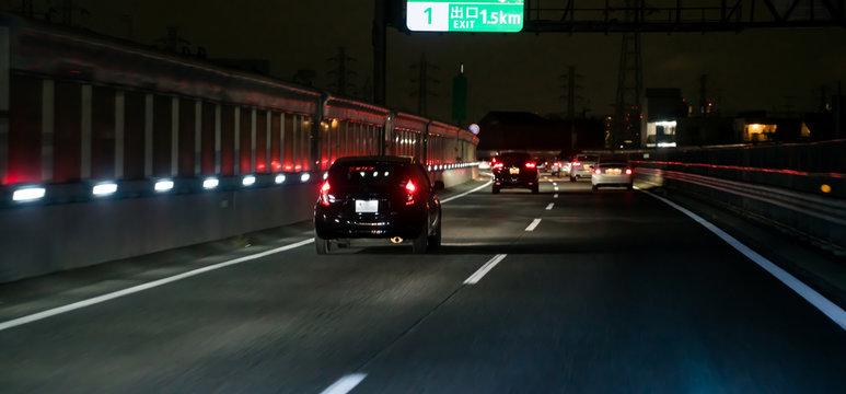 高速道路・車・夜