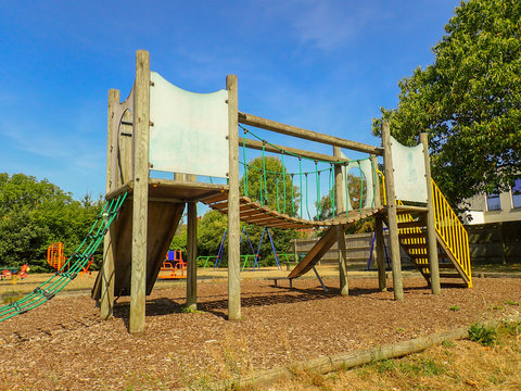 Playground rope suspension bridge