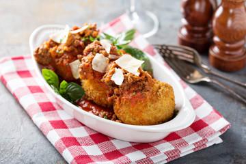 Lasagna balls in crunchy crust