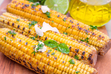 delicious grilled corn with salt and parsley