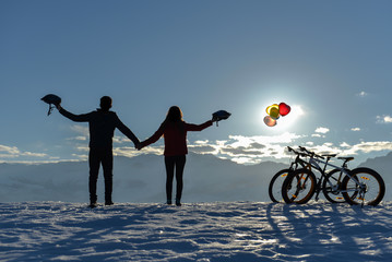 romantic lovers, balloons and cycling trip