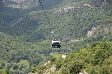 Cable car from Tirana to the local mountain
