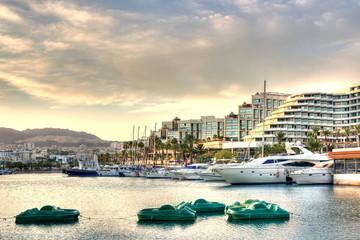 Yachthafen vor Hotels in Eilat
