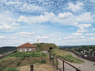 Zitadelle von Bitsch - Citadelle de Bitche – gelegen auf einem Hügel über der Stadt Bitsch