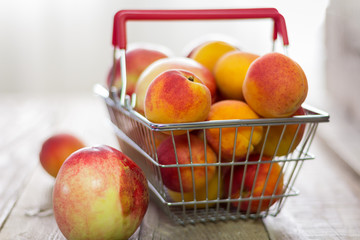 Peaches and apricots in the consumer basket. Organically produced