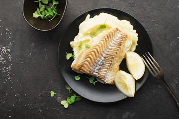 Printed kitchen splashbacks Ready meals Fried fish with mashed potatoes
