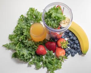 Kale, Juice, Blueberries, Strawberries