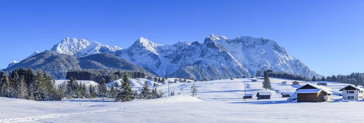 Fototapete - winterlich verschneite Natur am Karwendel