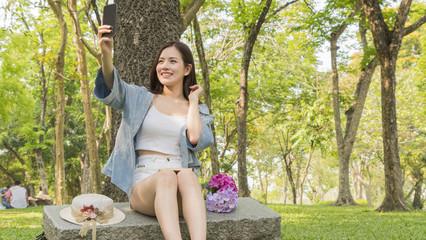 fashion girl use smartphone camera take photo selfie