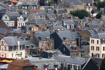 Die Altstadt von Etretat in der Normandie