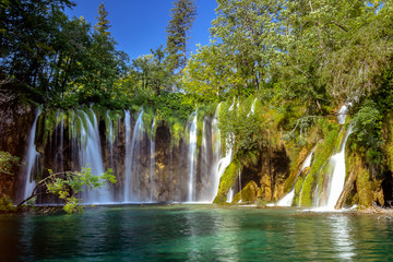 Fotobehang Watervallen Beautiful waterfall in Plitvice Lakes National Park. Croatia