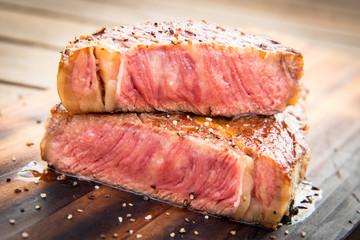Steak medium rare gegrillt
