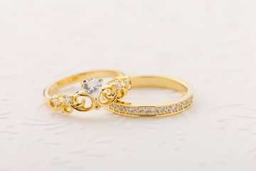 Set of gold tiara ring with heart shape diamond and band ring