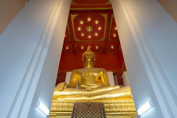 タイ・アユタヤ・お寺・仏陀・ウィハーン・プラモンコンボーピット