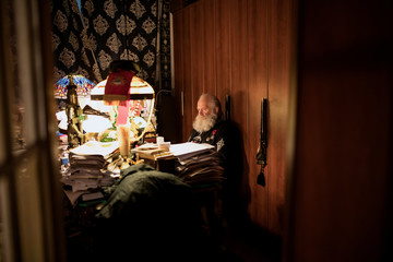 The Wider Image: Russian Orthodox nationalists hope for tsar's return