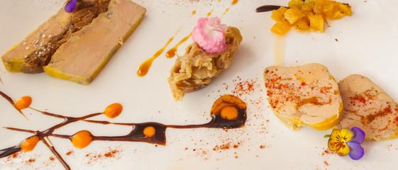 déclinaison de foie gras aux figues avec compotée d'oignons et confitures