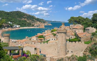 der beliebte Badeort Tossa de Mar an der Costa Brava in Katalonien,Spanien
