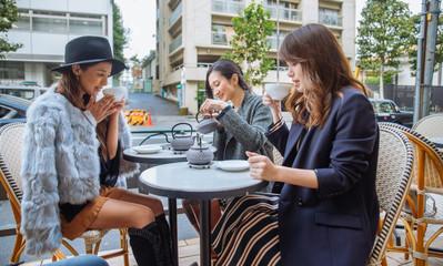 Women shopping in Tokyo