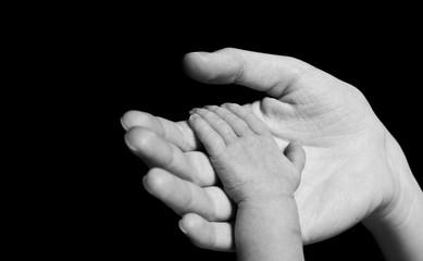 hand of newborn baby