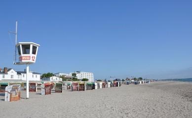 Strand mit Wachturm im Ostseeheilbad Dahme