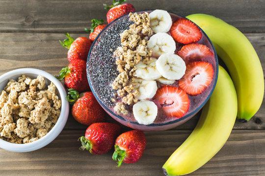 Acai superfood healthy breakfast smoothie bowl