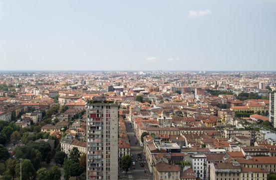 Milano skyline in agosto