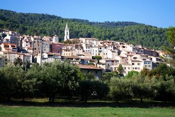 Trans en Provence: panorama sur le village