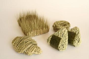 稲と麦でできた食べ物