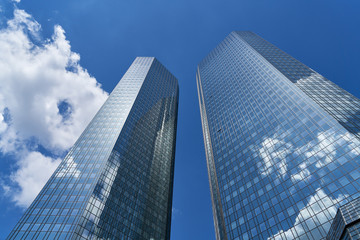Moderne Bank Gebäude in Frankfurt am Main Fototapete