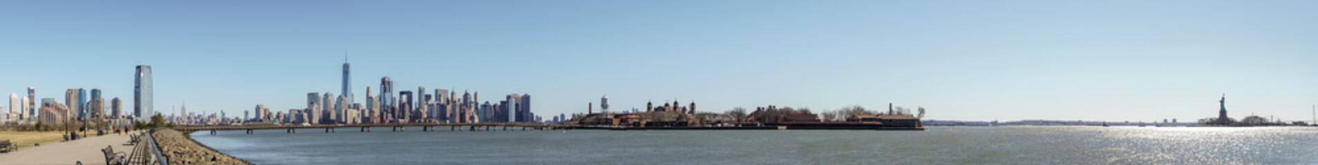 New York City skyline panorama from New Jersey park