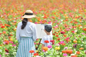 夏の花園・キャンバスで遊ぶファミリー