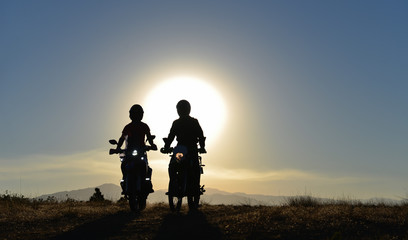 motorcycle touring duels and wonderful landscapes