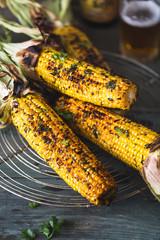 Maïs Grillés au Barbecue et Sauce Chimichurri