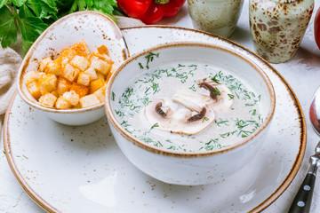 Cream soup of mushrooms