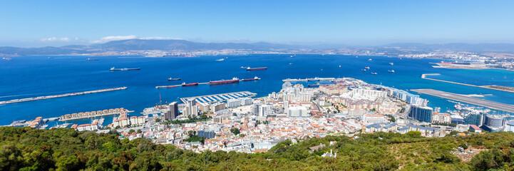 Gibraltar Hafen Panorama Port Schiffe Flughafen Meer Mittelmeer Urlaub Übersicht Stadt