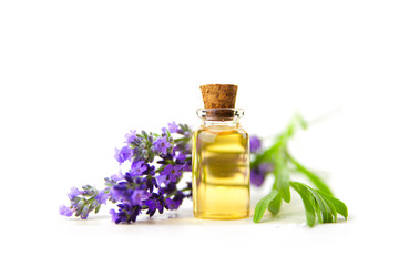 Photo sur Plexiglas Lavande lavender essential oil in beautiful bottle on White background