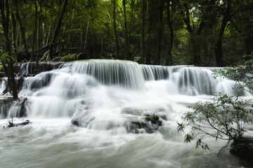 Papiers peints Kaki Beautiful River and waterfalls Huai Mae Khamin in Kanchanaburi Thailand in monsoon season.