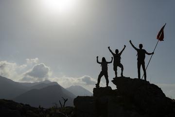 başarılı toros dağları tırmanışı ve hedef sevinci