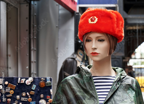 92b77efe2 Female mannequin in a souvenir red Russian military cap.