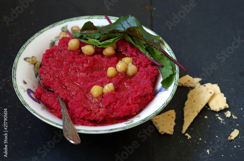 Rote Bete Kichererbsen Hummus Stock Photo And Royalty Free Images