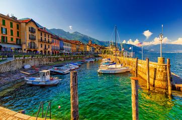Hafen und Promenade von Cannobio am Lago Maggiore, Piemont, Italien