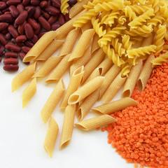 Foto op Canvas Assortiment épicerie / produits secs en vrac : céréales et légumineuses (pâtes, haricots rouges et lentilles corail)