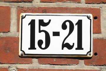 Hausnummernschild Nr. 15-21