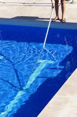 pool clenaer at work