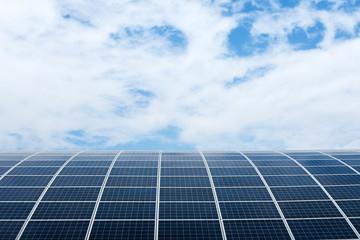 panneau solaire énergie soleil cellule transformation lumière énergétique production installation toit