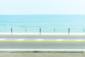 海が見える風景 歩道あり