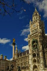 München Marienplatz mit Rathaus Frauenkirche Mariensäule