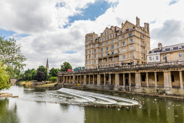 Fotobehang View from the famous historic Pulteney Bridge in Bath, Somerset, UK
