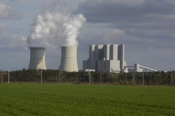 Kohlekraftwerk in der Niederlausitz