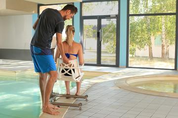 Pool Lift Behindertensitz im Schwimmbad